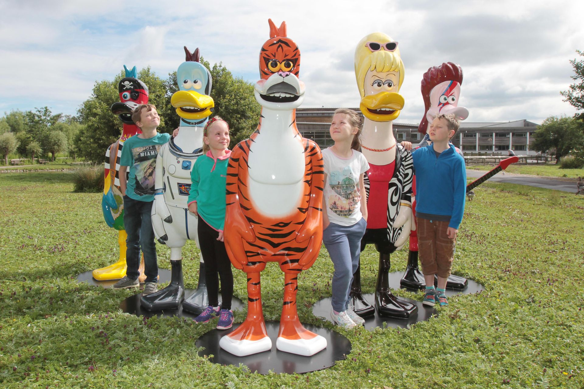 View: Celebrity Dusty Duck Trail